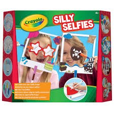 SILLY SELFIE PHOTO KIT