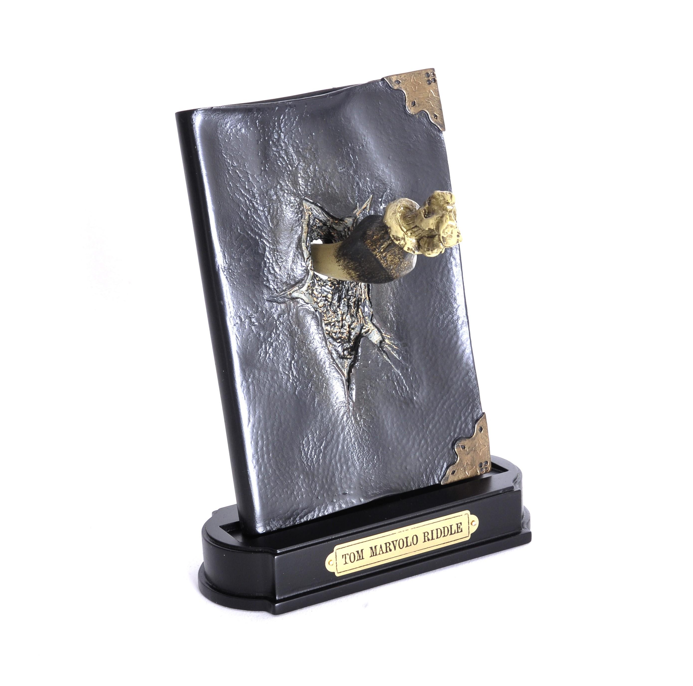 HP - Basilisk Fang and Tom Riddle Diary