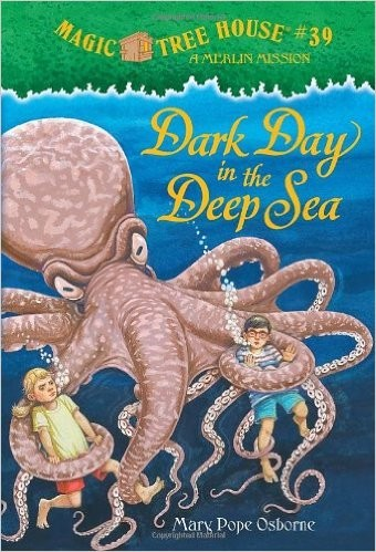 Magic Tree House #39: Dark Day In The Deep Sea (A Stepping Stone Book(Tm))